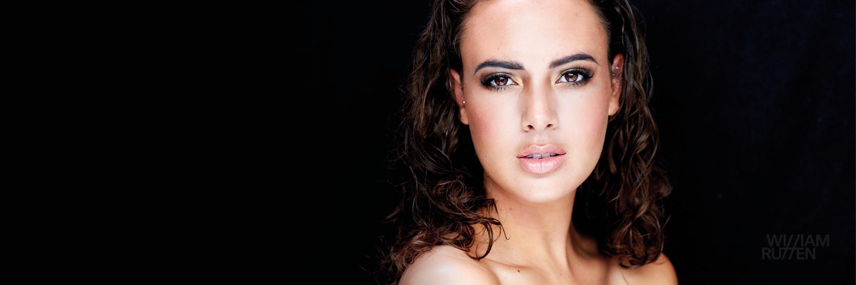 Miss Nederland Zoey Ivory van der Koelen vertegenwoordigt Nederland bij Miss Universe verkiezing