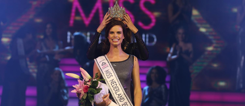 miss nederland 2017 - Nicky Opheij wordt gekroond door Zoey Ivory