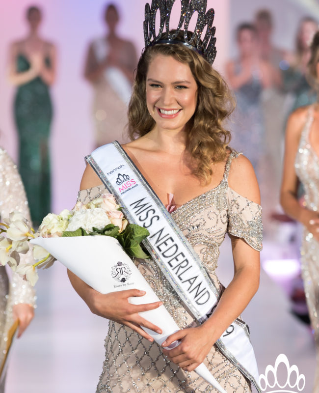 Miss Nederland Finale_Sharon Pieksma_kroning 2