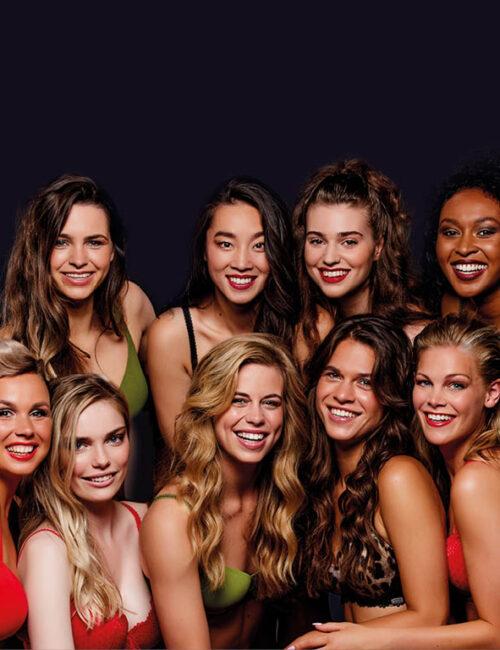 groepsfoto_Miss Nederland_Finalist_lingerie-Colbert_foto-William Rutten